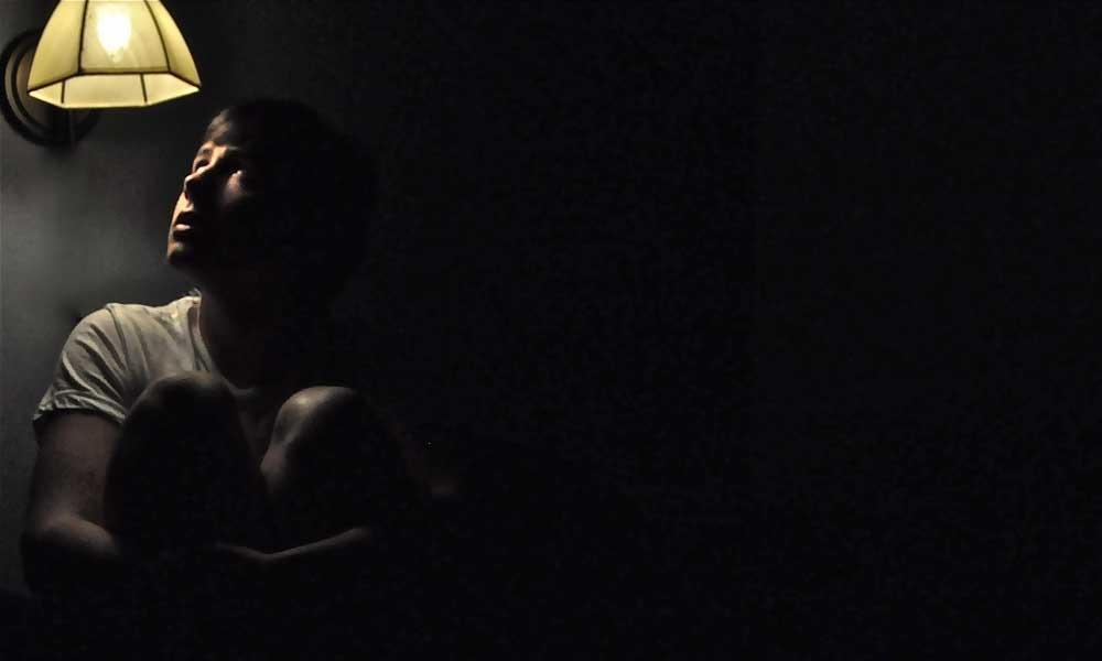 چرا از تاریکی می ترسیم؟